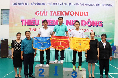 2019.8.8 NT hang 3 giai Karate.png